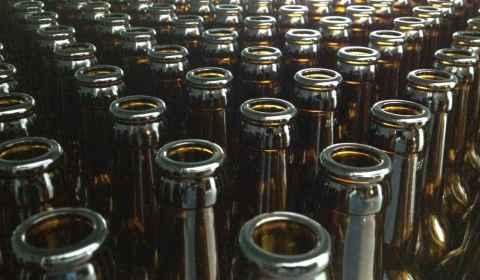 360 bouteilles de bière longneck 33cl, c'est d'une beauté !