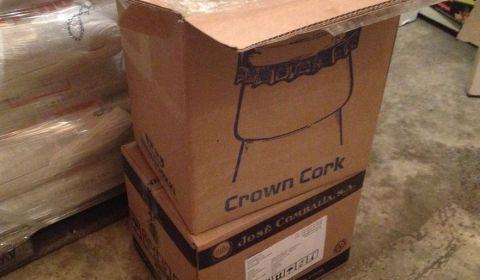 Deux cartons soit 17500 capsules en tout ! Heureusement que j'en ai vendu 5000 déjà, parce que 200€ de cpasules c'est un peu trop je pense