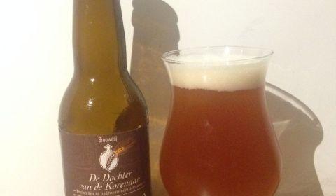 Une bière belge d'un orange profond - Noblesse Extra-Ordinaire (Brouwerij De Dochter)