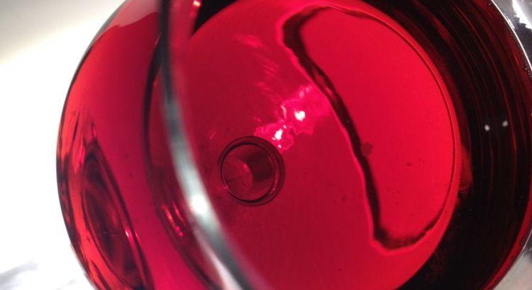 La robe rubis profonde et envoûtante de la bière extra forte Samichlaus classic brasserie Eggenberg. Ça donne envie, n'est-ce pas ?