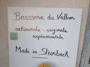 banderole improvisée Brasserie du Vallon événement Steinbach dans tous les sens
