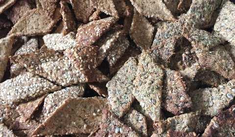 Crackers aux drêches et aux épices fait maison - La Brasserie du Vallon à Steinbach