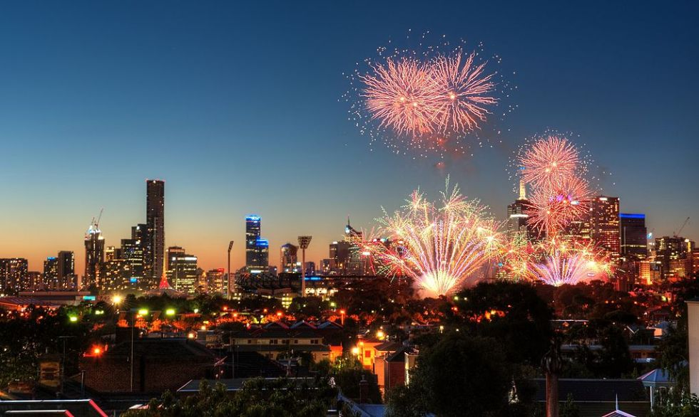 1024px-Melbourne_New_Year_Early_Eve_(11668445975)