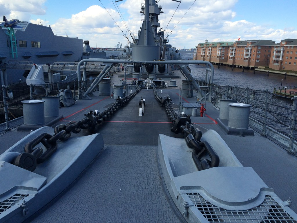 USS Wisconsin_Bow of boat_anchor chains