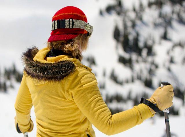 psia woman skier 2