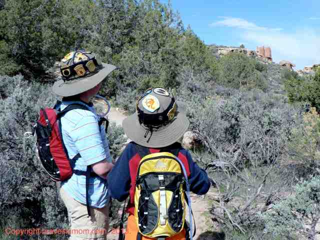 hiking hovenweep national monument