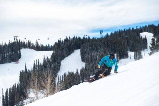 skiing aspen mountain