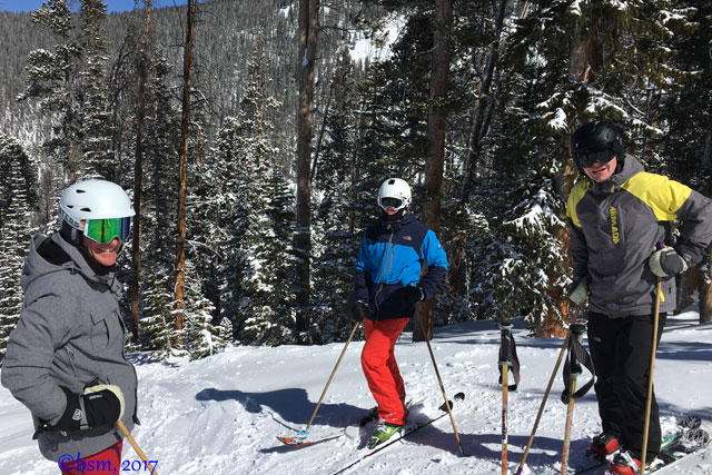 family skiing keystone