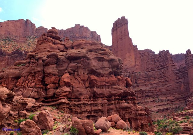 dark red mudstone spires fisher towers utah