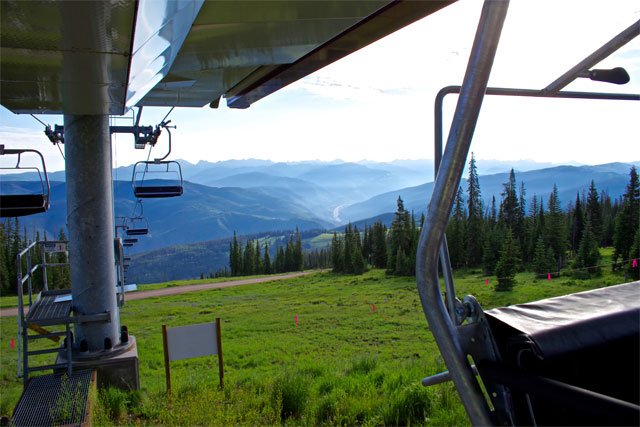 beaver creek new red buffalo chair lift with mountains in background