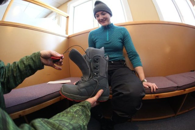 learn to snowboard lessons start in cubicles at Killington