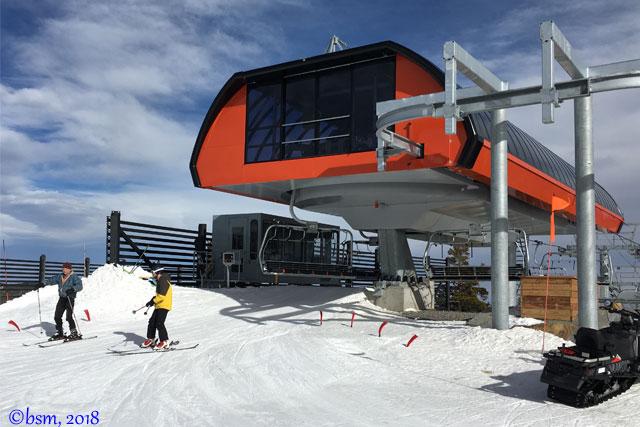alpenglow-express-high-speed-chairlift-at-Eldora