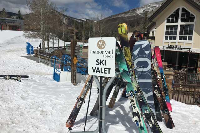 manor-vail-lodge-ski-valet-at-golden-peak