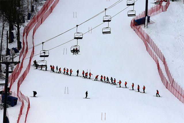 Course preparation and side slipping killington world cup ski race