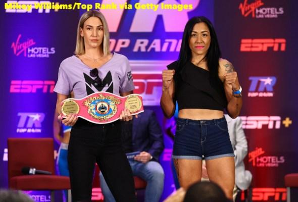 Mikaela_Mayer_vs_Erica_Farias_pose