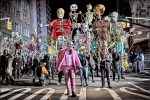 中英對照讀新聞》Can Halloween freak you out any more than the real world? 萬聖節能比真實世界更令你害怕嗎?