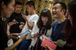 人手一機看新聞! 中國10報社明年結束紙媒業務