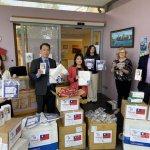愛爾蘭台僑協助抗疫 捐助長照機構防護裝備