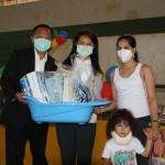 駐巴西利亞代表處與慈善機構聯合捐贈聖誕節物品