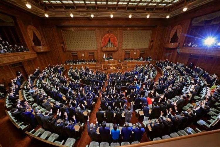 日本眾議院14日被解散、將於31日投開票。