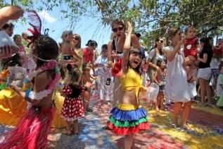 crianca carnaval