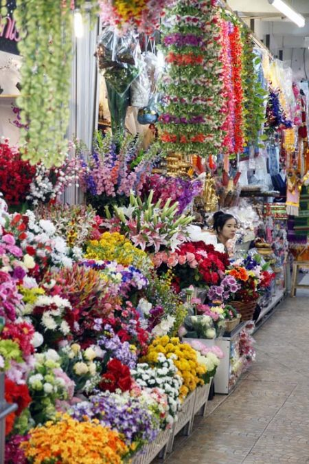 Artificial Flowers, Inside Wararot Markets