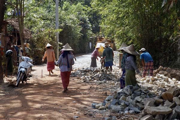 Villagers Making a Better Access Road