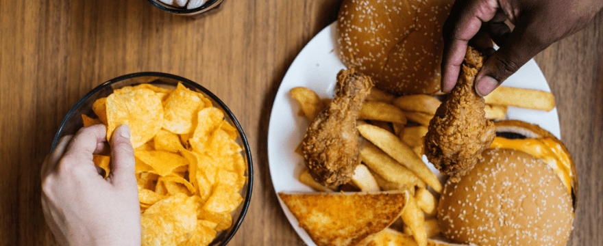 A Guide to Food Addiction and 4 Tips for Overcoming It