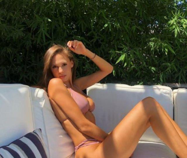Sexy Bikini Girls Breakbrunch