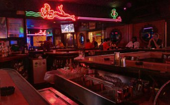 sfl-dive-bars-we-love-20120702-027