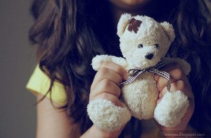 girly-hand-teddy-bear-cute-sad-alone
