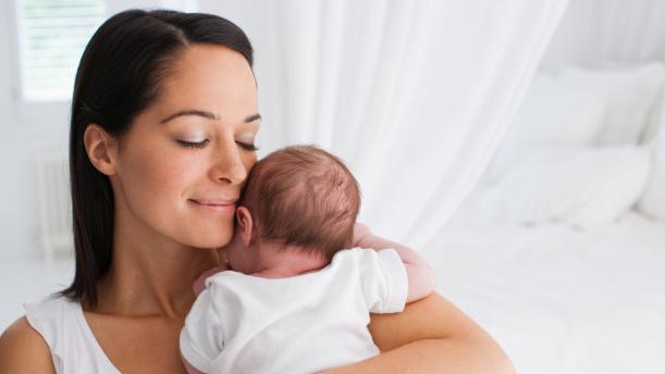 breastfeeding world, breastfeeding. post-partum hair loss, hair loss, postpartum