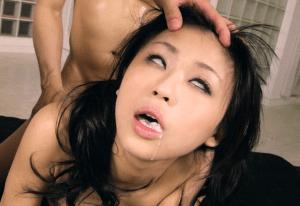 女性を完全に支配して性奴隷にする方法