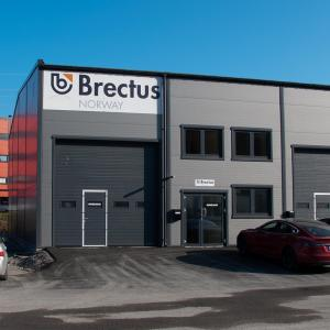 Brectus Skylt på byggnad och fasad 1