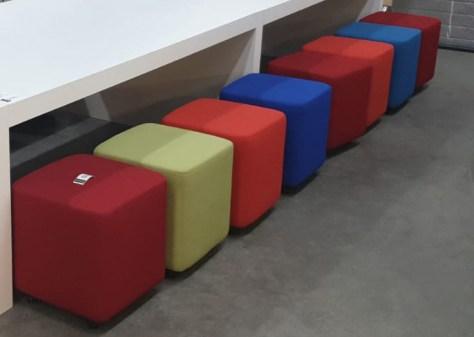 1 x vergadertafel met zitbank 460x120 250