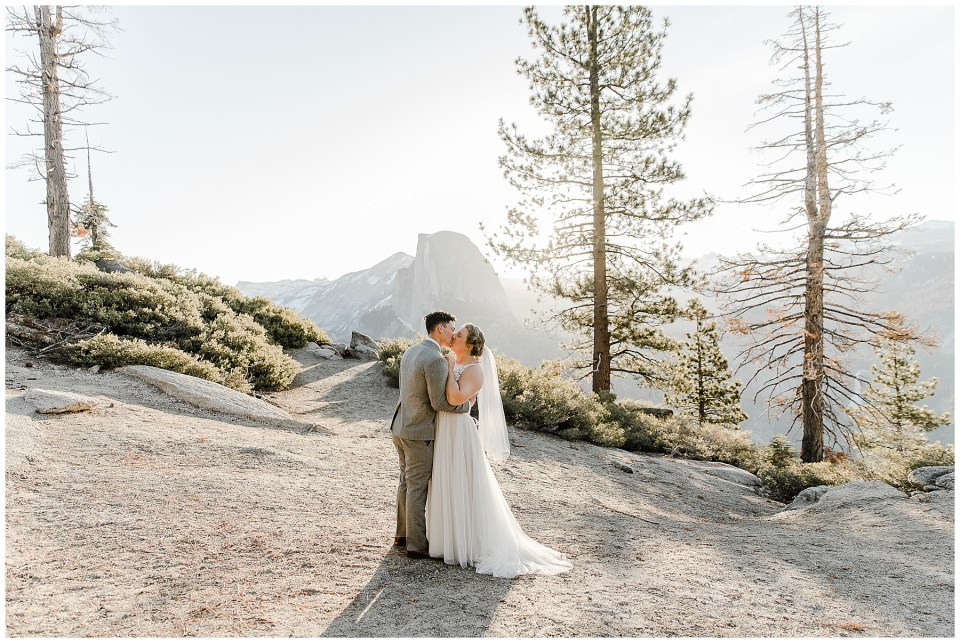 bride and groom kissing in yosemite during their yosemite national park elopement
