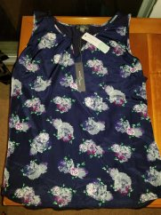 Market-and-Spruce-Liano-Mixed-Material-Floral-Top-Navy.jpg