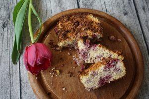 Glutenfreier Pastinakenkuchen mit Himbeeren