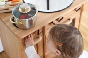[Anzeige] Unsere neue Kinderküche aus Holz von Livipur + Gewinnspiel