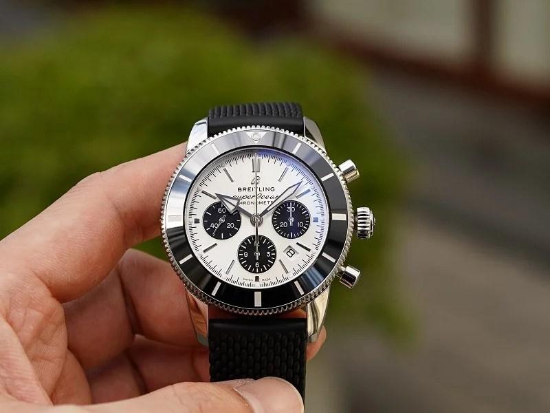 シルバー×ブラックのコントラストが目を惹くダイバーズクロノグラフウォッチ「スーパーオーシャン ヘリテージ B01 クロノグラフ 44」-スーパーオーシャン