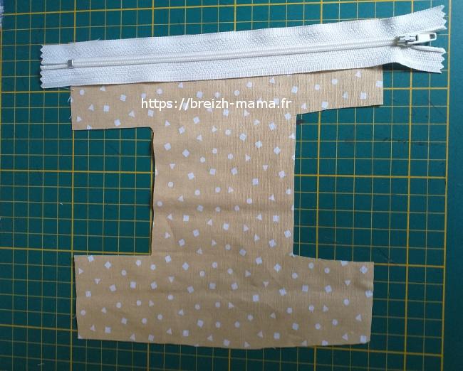 9 - Placer le zip envers contre endroit de la doublure
