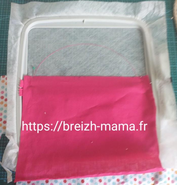Placer le tissu extérieur de partie haute vers le bas endroit contre endroit sur le cadre