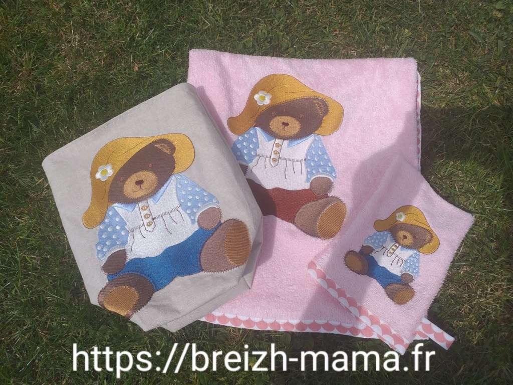 Ensemble de bain brodé Teddy Bear