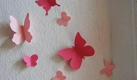 des papillons sur les murs