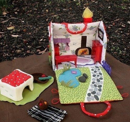 Maison de poupée en tissu