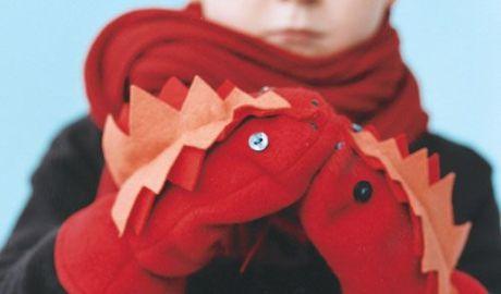 Coudre des moufles dragons