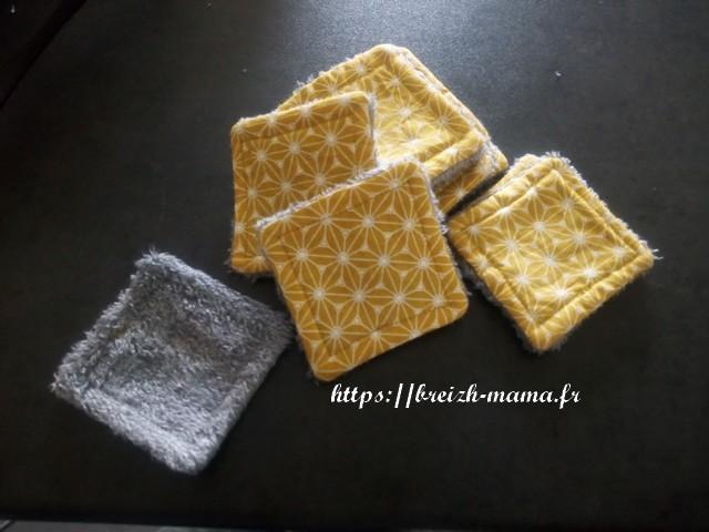 Apres avoir fermé vos carrés avec une couture invisible, surpiquer à quelques millimètres du bord