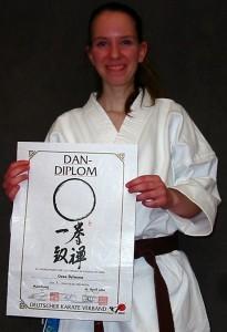 Gesa Behrens von  SKIP Bremen mit  Dan-Diplom