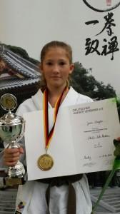 Jessie Naujoks beim Shotokan Cup 2014
