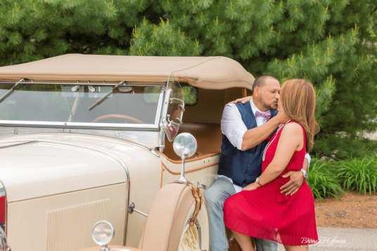 Grand-Rapids-Engagement-Session-1927-Cadillac-Lasalle (11)